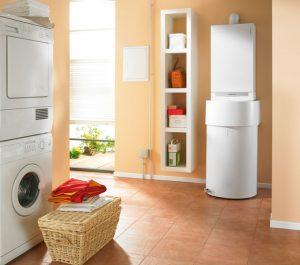 Waschküche mit Warmwasserspeicher